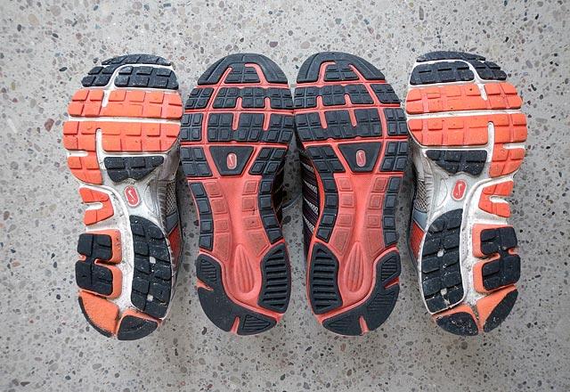 Slitmönster Nike Structure Triax vs LunarElite