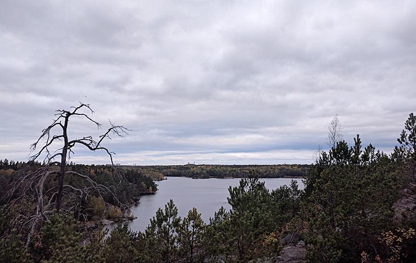 Bakom Kärrtorpssjön